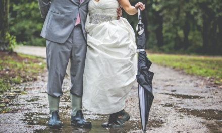 "Wedding Horror Story – Couple Has to Replan Their Outdoor Wedding in 2 Days Due to a ""Thousand-Year"" Flood"