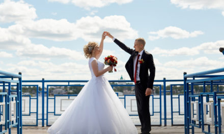 6 Reasons You Need To Move Your Wedding Date to 2021