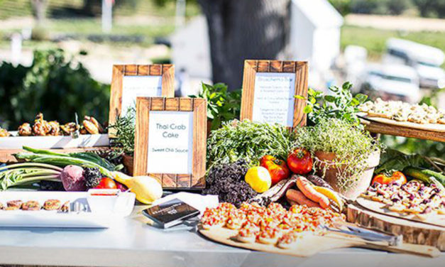 Serving Food at Your Wedding Reception? This Guide's for you
