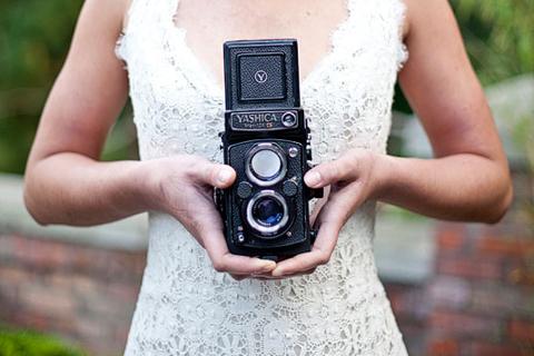 bijoux-bride-brosnan-vintage-camera-wedding-photographer-bride1